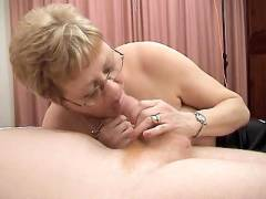 Kay Dishes Out Her Mature Cunt