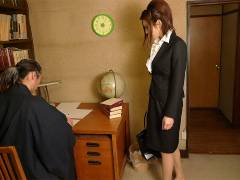 Office lady got pokeed in a private home